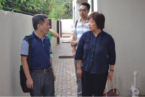 李智参赞赴第14批援博茨瓦纳医疗队视察队员工作生活情况