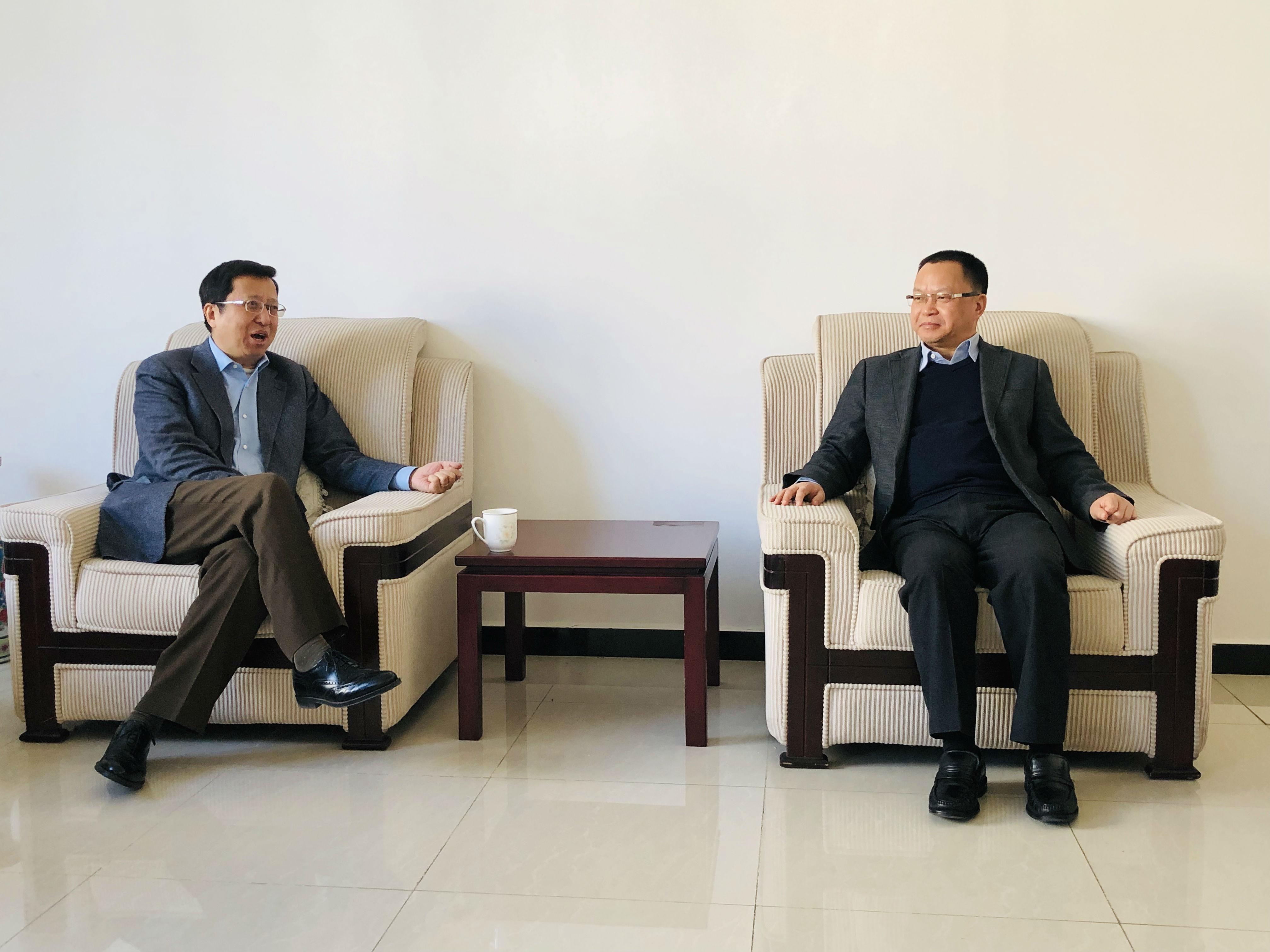 中国外资协会常务副会长曹宏瑛等会见四川眉山市市委书记慕新海一行