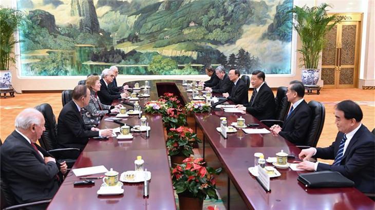 """Le président chinois rencontre la délégation des """"Sages universels"""""""