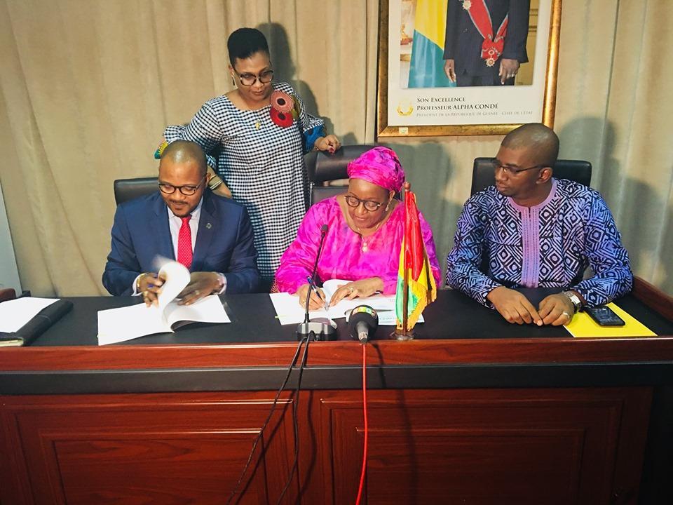 非洲开发银行向几内亚政府提供200万美元赠款用于深水港口项目