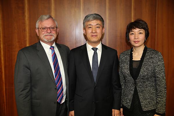 11月20日,刘海泉部长助理在京会见艾默生电气公司全球