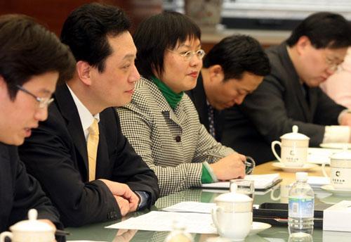 4月1日,王超部长助理在京会见美国克莱斯勒公司董事长兼首