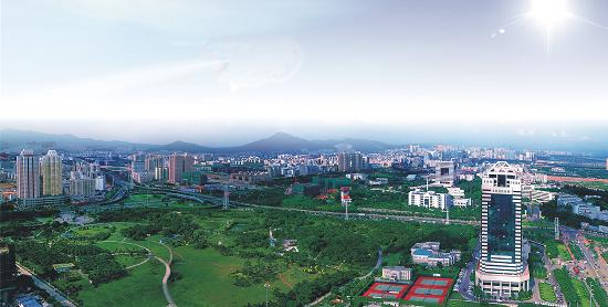 基地企业   基地简介   深圳南山位于珠三角区域发展主轴与沿海功能拓展带的交汇处,是珠三角连接香港和国际市场的桥头堡。改革开放三十年,成就了深圳南山创业、创意、创新之都的美誉,奠定了深圳南山高新技术产业在国内领先的地位,同时也见证了深圳南山医疗设备产业的崛起。如今的南山区,已成为深圳市的高新技术产业基地,旅游文化、教育科研和现代物流基地。   作为中国改革开放打响第一炮的地方,30多年来南山的经济发展取得了可喜的成绩,2012年实现GDP2829.