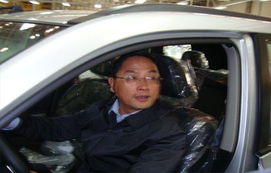 蒋耀平副部长试坐郑州日产汽车高清图片
